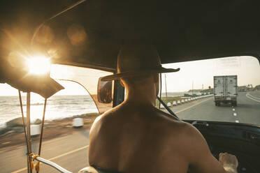 Man driving tuk tuk - JOHF01107