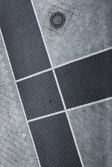 Germany, Hessen, Offenbach, sidewalk captured from above - TLF00774