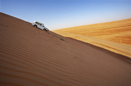 Sultanate Of Oman, Wahiba Sands, Dune bashing in a SUV - WWF05285