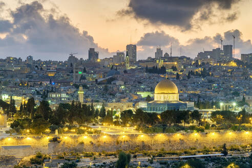 Jerusalem skyline Dome of the Rock and buildings in Old City at sunset - CAVF64511