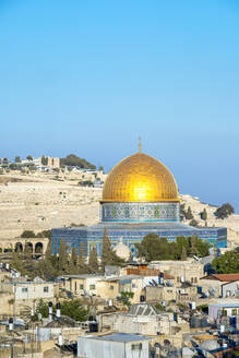 Dome of the Rock and buildings in the old city, Jerusalem - CAVF64514