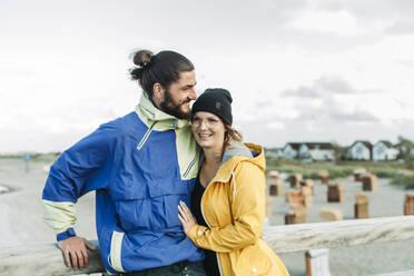 Couple on the pier in Heiligenhafen - NAF00150
