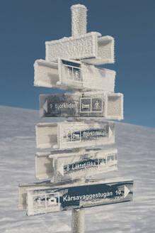 Sign at winter - JOHF02840