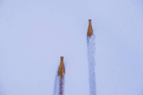 Wooden skis on snow - JOHF03113