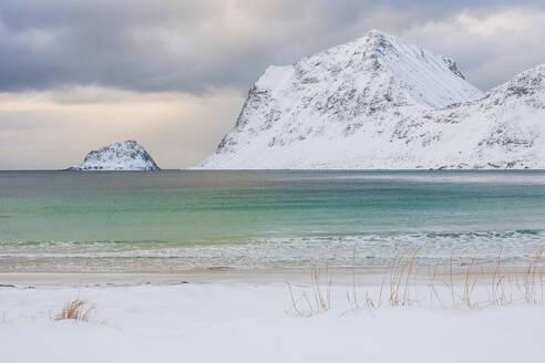 Coast at winter - JOHF04106