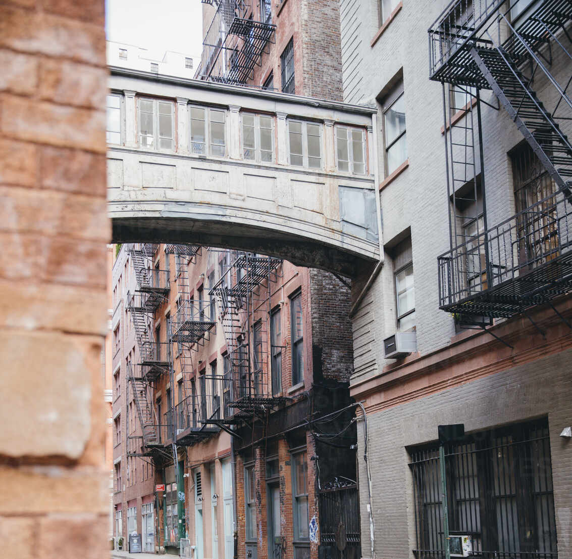 NYC, New York,/United States - Sept, 25, 2019: View of City Streets in Tribeca Neighborhood of New York City - CAVF65456 - Cavan Images/Westend61