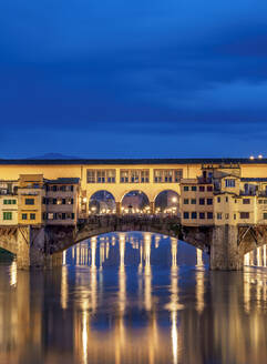 Ponte Vecchio and Arno River at dusk, Florence, UNESCO World Heritage Site, Tuscany, Italy, Europe - RHPLF12351