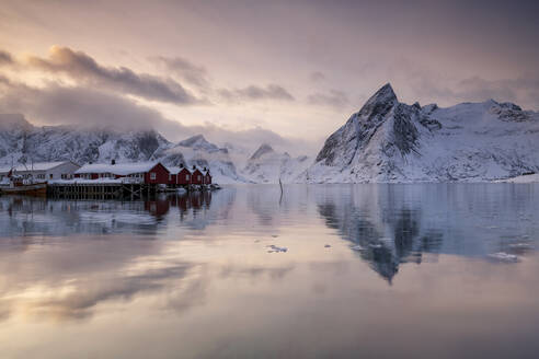 Hamnoy fishing village in winter, Hamnoy, Lofoten Islands, Nordland, Arctic, Norway, Europe - RHPLF12609