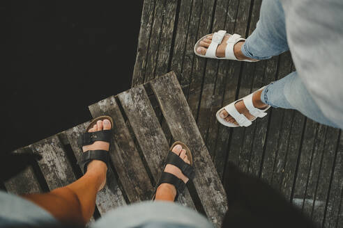 People wearing sandals - JOHF04574