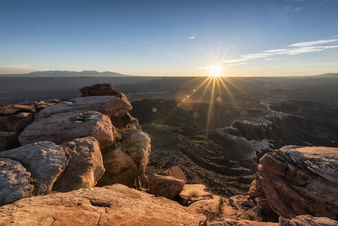 Rock formations at Canyonlands National Park against bright sky - CAVF68021