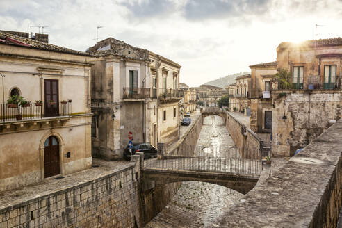 Old town, Scicli, Province of Ragusa, Sicily - MAMF00946