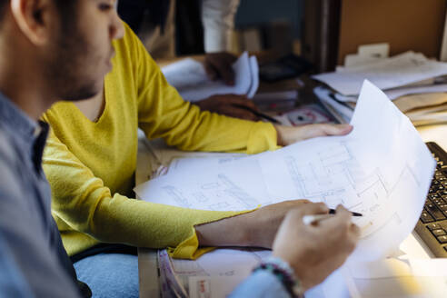 People working together in architect's office - SODF00196