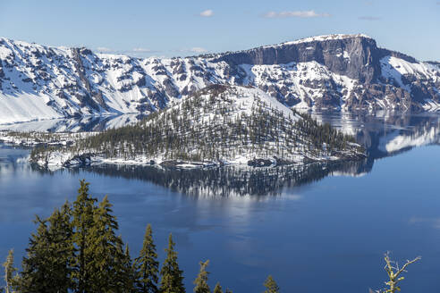 Scenic view of Wizard Island at Crater Lake National Park - CAVF68339