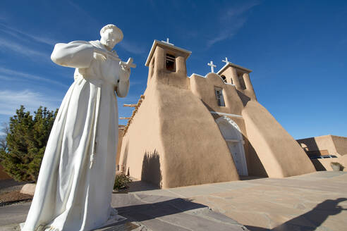 The historic adobe San Francisco de Asis church in Taos, New Mexico, United States of America, North America - RHPLF12729