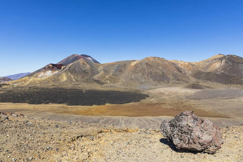 New Zealand, Oceania, North Island, Tongariro National Park, North Island Volcanic Plateau, Tongariro Alpine Crossing Trail, Central Crater with Red Crater and Mount Ngauruhoe volcano and Mount Tongariro in background - FOF11142