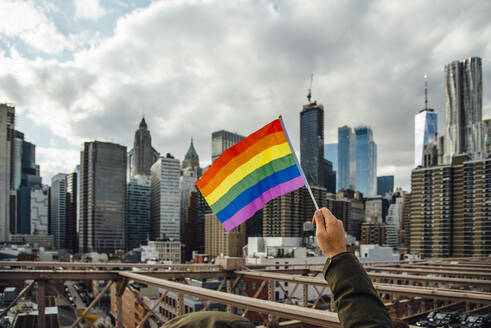 Gay flag with New York in the background, USA - CJMF00170