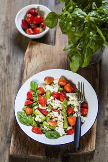 Green mixed salad with green asparagus - SBDF04123