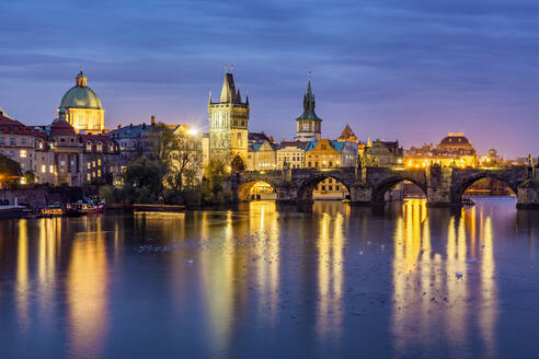 Czech Republic, Prague, Charles Bridge and Old Town - YRF00219