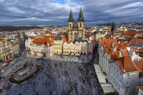 Czech Republic, Prague, Old Town Square - YRF00222