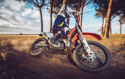 Motocross driver - MTBF00240