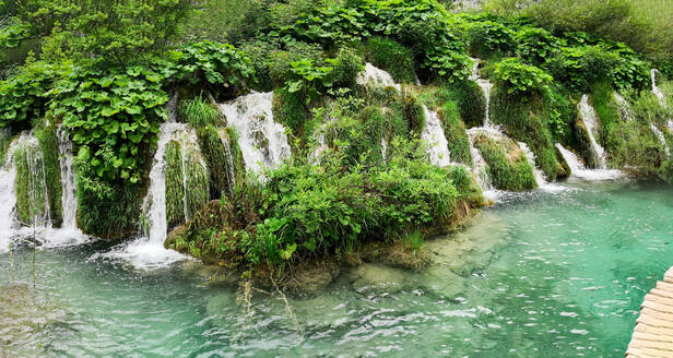 Panoramic view of a waterfall on the Plitvice lakes natural park - CAVF69461