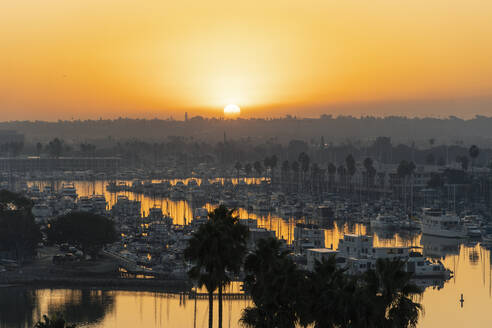 USA, California, Richmond, Large number of boats moored in Marina Bay at sunrise - SEEF00063