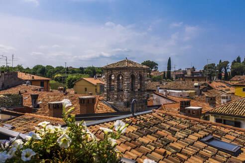 Italy, Veneto, Roofs of Peschiera del Garda - MHF00525