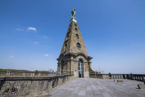 Germany, Hesse, Kassel, Hercules monument in Bergpark Wilhelmshohe - RUNF03493