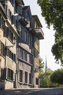 Switzerland, Canton of Zurich, Zurich, Old town buildings on Fortunagasse street - WDF05633