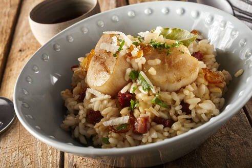 Bowl of risotto with scallops and chorizo - DREF00022