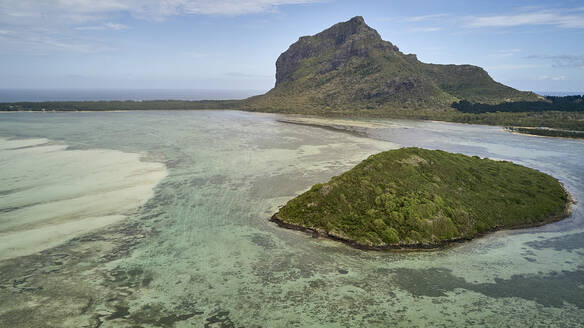 Aerial view of le Morne Brabant in Mauritius island. Morne Brabant, Ille Mauritius. - VEGF01409