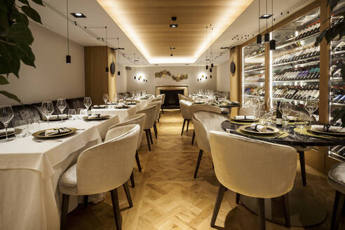 Interior of a fancy restaurant - VABF02544