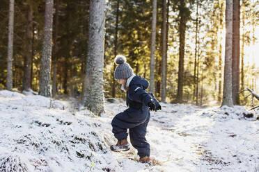 Girl at winter - JOHF06255