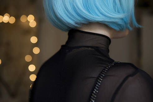Young woman wearing blue wig - FLLF00396