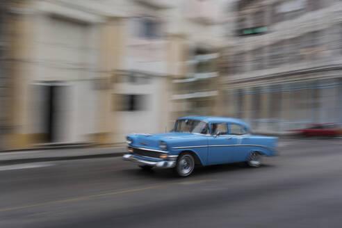 Vintage car on the street, Havana, Cuba - PAF01938