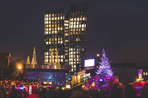Germany, Hamburg, Christmas market at night - KEBF01491