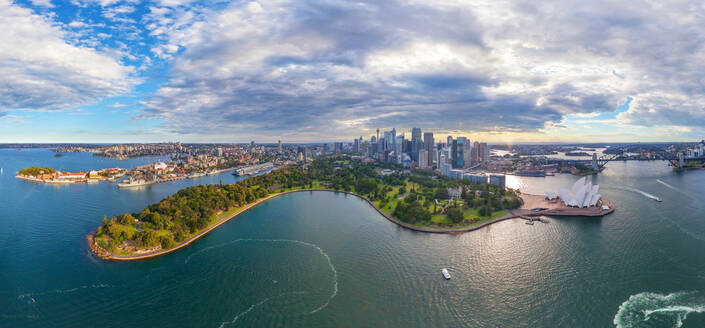 Panoramic aerial view of waterfront gardens, Sydney, Australia - AAEF06378