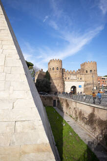 Italy, Rome, Pyramid of Cestius with Porta San Paolo in background - HLF01217
