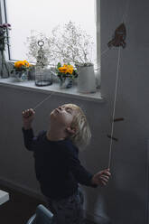 Blond little boy playing at home - JOSEF00336