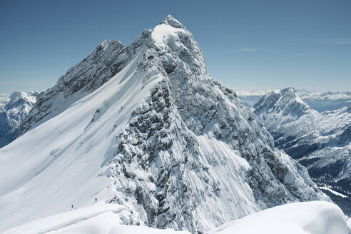 Germany, Bavaria, Garmisch-Partenkirchen, Snowcapped peak in WettersteinMountains - WFF00430