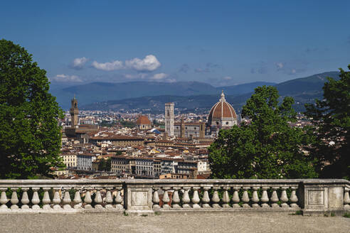 Italy, Tuscany, Florence, Cathedral Santa Maria del Fiore dome and buildings in old town amid Coronavirus pandemic - FMOF00988