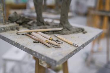 Different tools at sculpture - FBAF01567