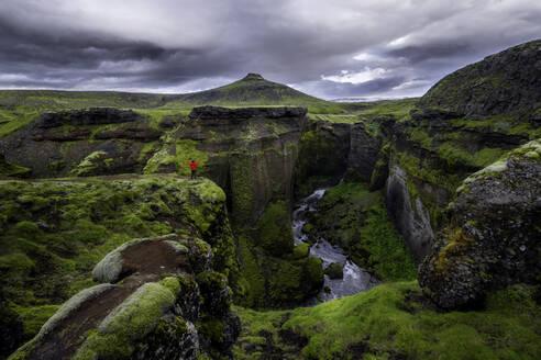 Hiking under Eyjafjallajokull vulcano on Iceland - CAVF84079