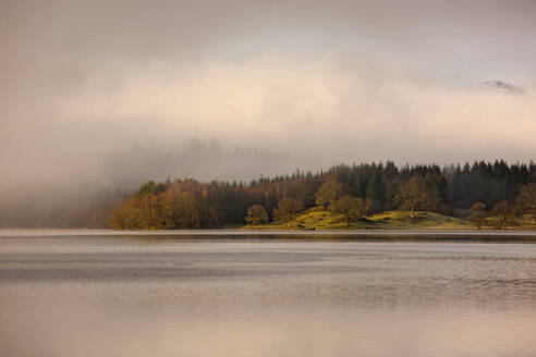 Scenic view of lake Windermere in the British Lake District - CAVF85317