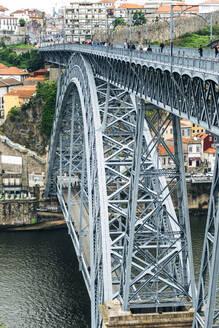 Portugal, Porto, Luiz I Bridge and river Duoro - EHF00376