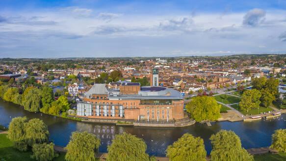 The Royal Shakesphere Theatre and Swan Theatre on the River Avon, Stratford-upon-Avon, Warwickshire, England, United Kingdom, Europe - RHPLF15378