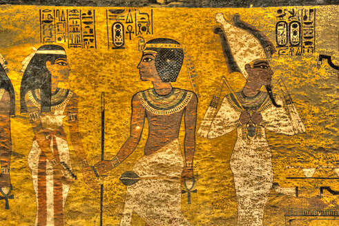 King Tut  in centre, Tomb of Tutankhamun, KV62, Valley of the Kings, UNESCO World Heritage Site, Luxor, Thebes, Egypt, North Africa, Africa - RHPLF16774