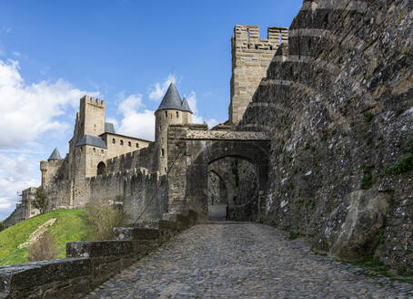 Fortified town of Carcassonne, Languedoc-Roussillon, France - XCF00300