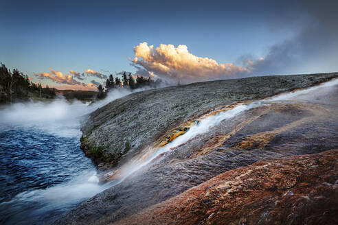 Yellowstone's Geysers and Thermal vents - CAVF89379