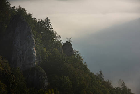 Mountain against sky at Danube Valley, Beuron, Swabian Alb, Germany - FDF00320